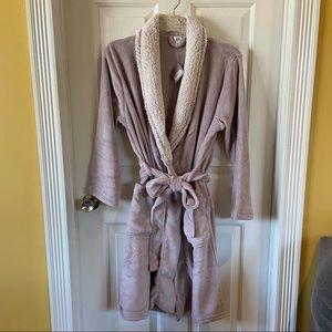 Ulta   Soft Purple Robe Size Large/Extra Large